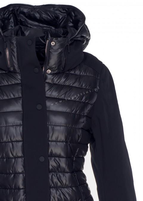 Włoska pikowana kurtka z kapturem czarna