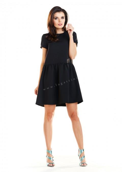 Klasyczna sukienka trapezowa czarna