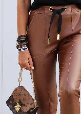 Woskowane spodnie GOLD RING camel