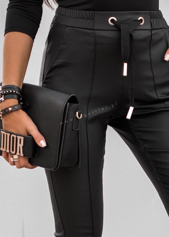 Woskowane spodnie GOLD RING czarne