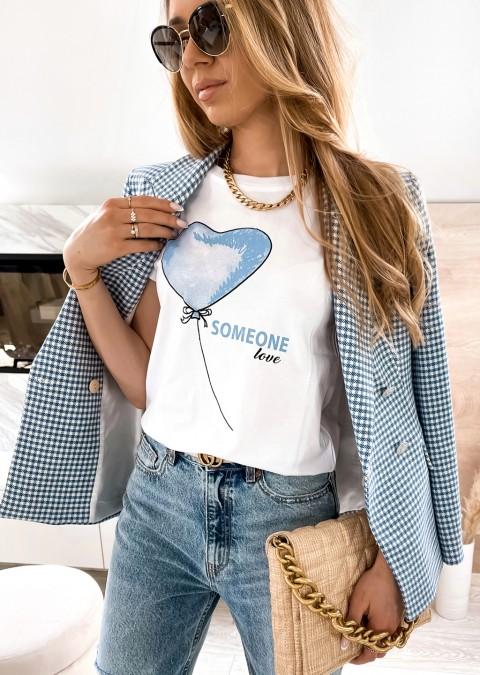Włoski t-shirt Someone Love z niebieskim nadrukiem