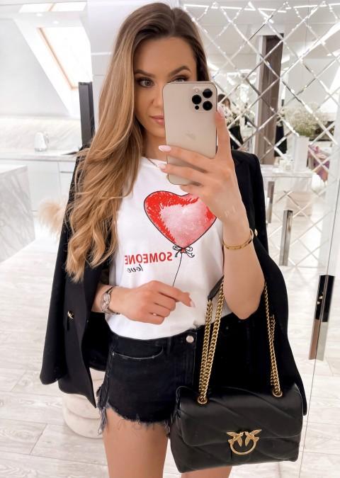 Włoski t-shirt Someone Love z czerwonym nadrukiem