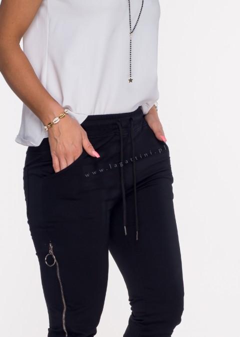 Włoskie spodnie dresowe joggery VERESCO ZIP czarny