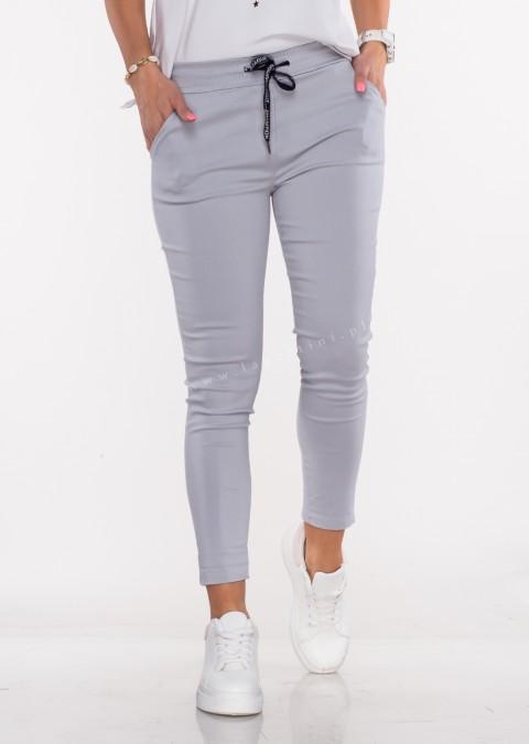 Włoskie spodnie CLASSIC logowany sznurek jasny szary