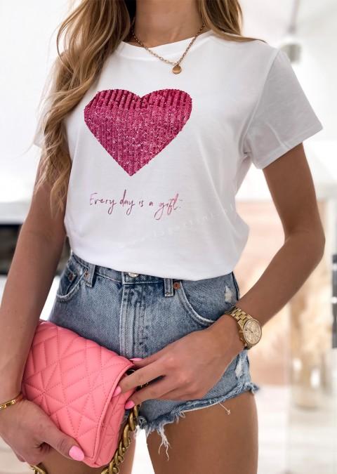 Włoski t-shirt EVERY DAY IS A GIFT z różowym sercem
